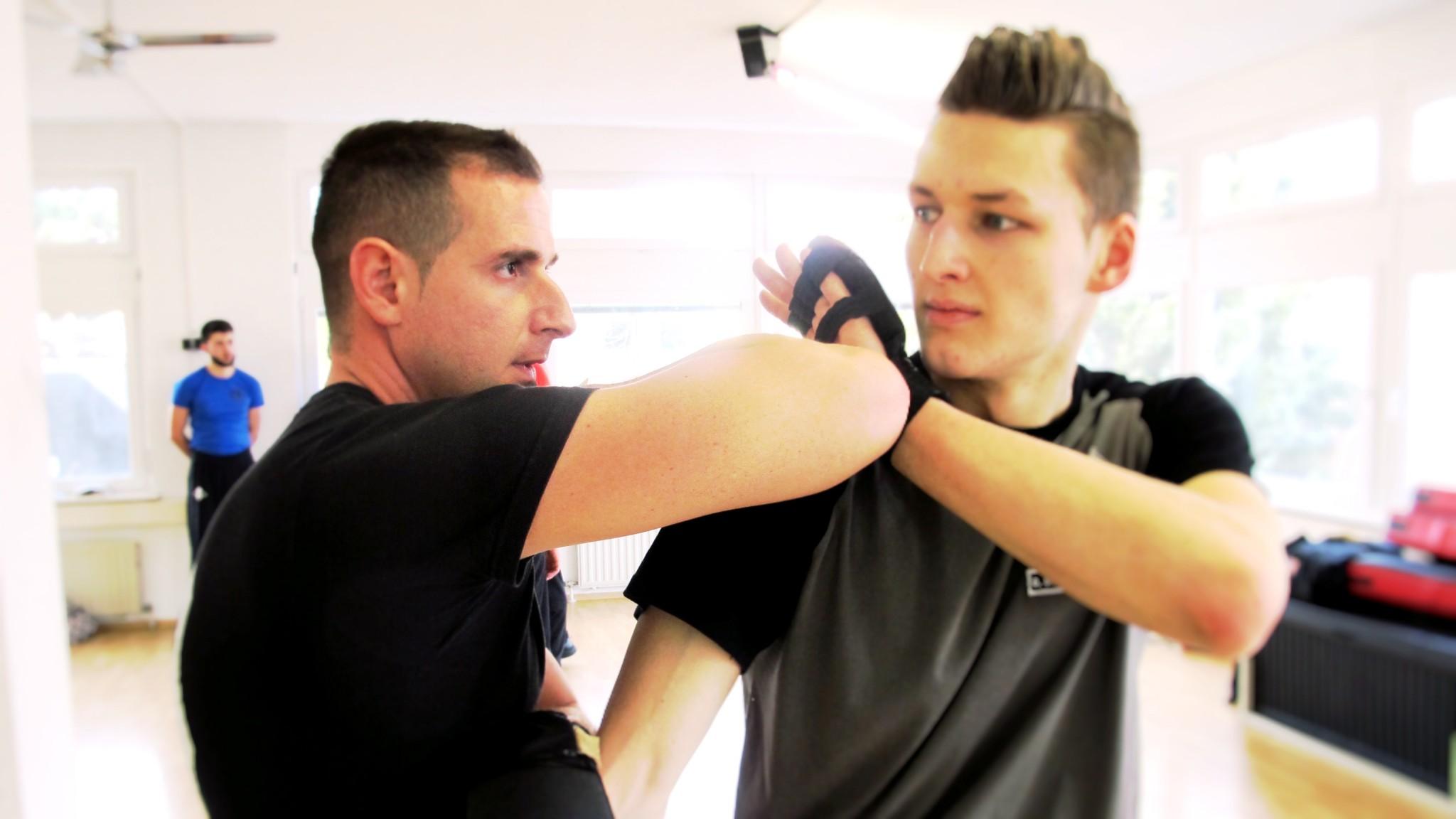 Stuttgart West, Wing Tsun, Selbstverteidigung, MMA Martial Arts, Krav Maga, Kampfsport