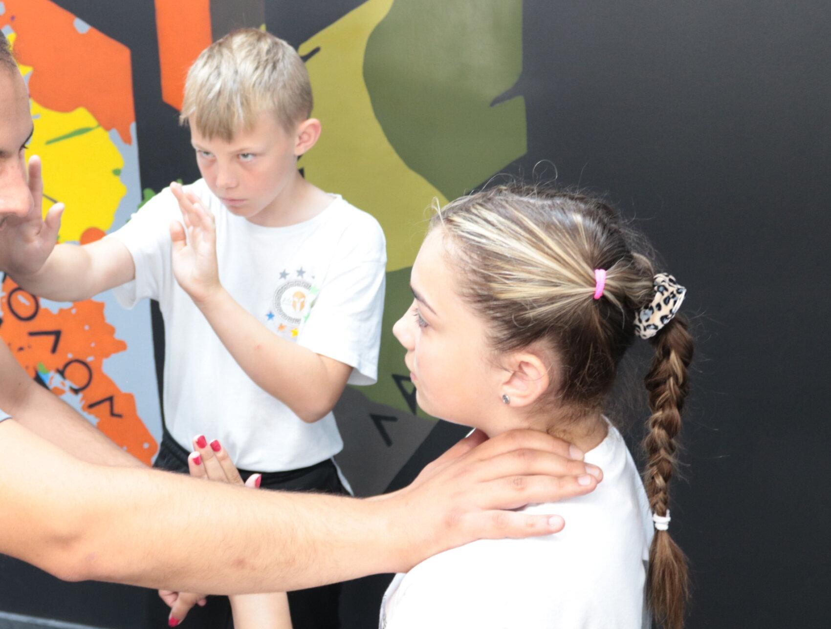 Kung Fu Selbstverteidigung für Kinder Karate Stuttgart Esslingen Waiblingen Ludwigsburg Filderstadt Winnenden